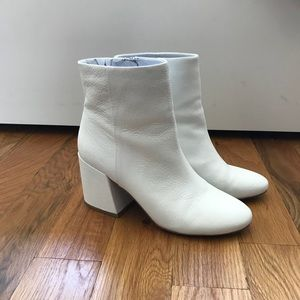 Kenneth Cole Randii white ankle boot
